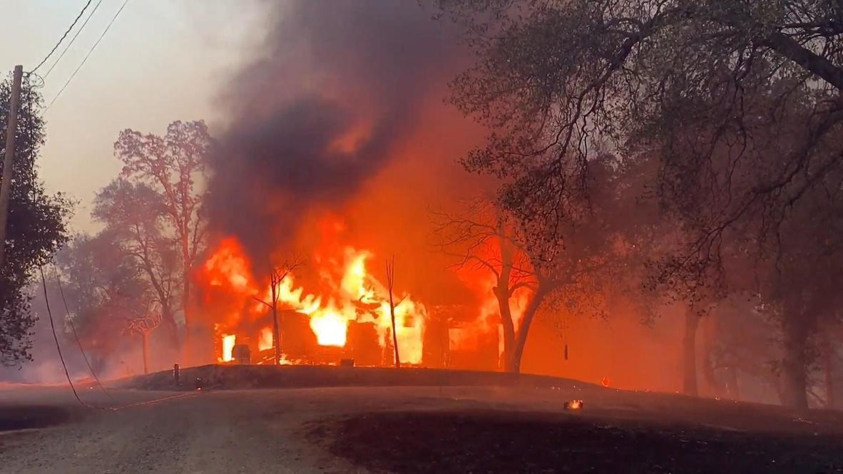 EE.UU.: Incendio Zogg arrasa con construcciones mientras llega hasta pueblos de California