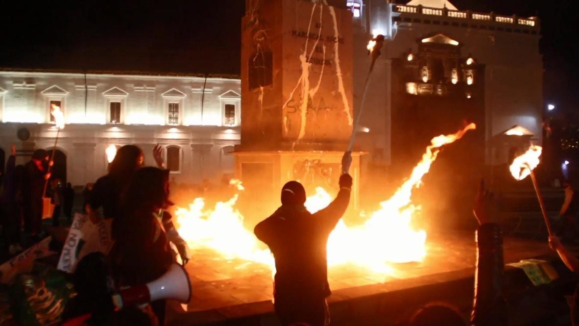 Ecuador: Manifestantes toman las calles de Quito exigiendo la despenalización del aborto