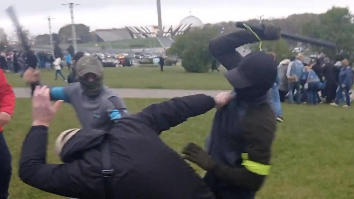 Bielorrusia: Manifestantes son golpeados durante protesta en Minsk
