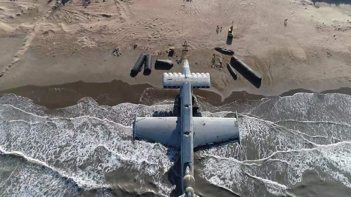 Un dron graba el ekranoplano soviético conocido como 'El monstruo del  Caspio' en una playa de Daguestán | Video Ruptly