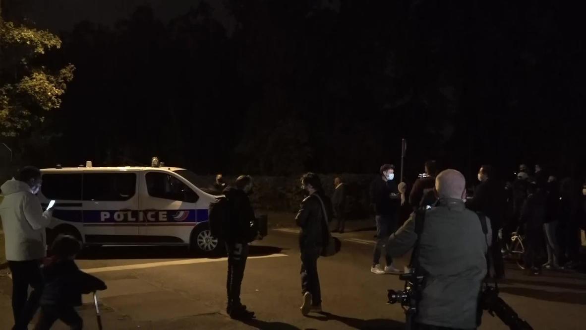 Франция: Сотрудники полиции оцепили территорию вокруг места убийства учителя в Конфлан-Сент-Онорин
