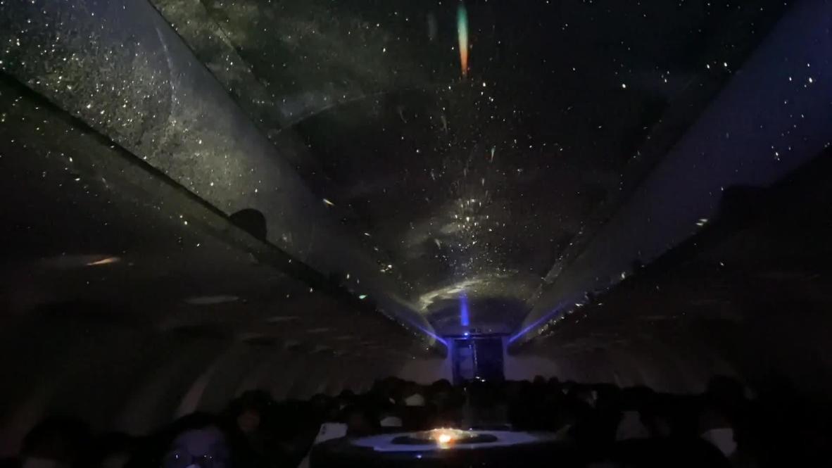¡Viajar por el universo en un avión! Organizan primer planetario del mundo a bordo de un jet japonés