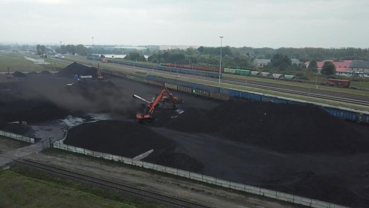 Россия: Росприроднадзор проводит проверку по факту загрязнения угольной пылью озера под Калининградом