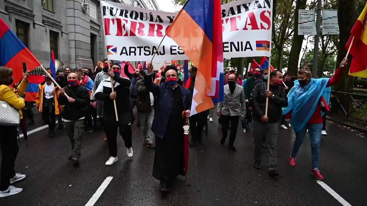 إسبانيا: متظاهرون مؤيدون لأرمينيا يدينون صراع قره باغ في مسيرة بمدريد