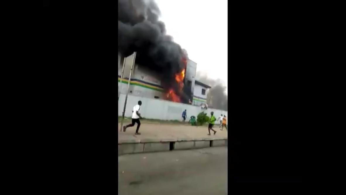 Nigeria: Police station set ablaze as protests lead to Lagos curfew