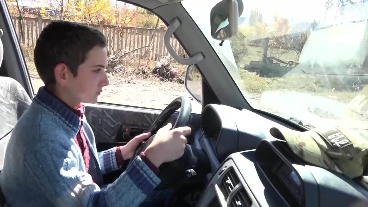 Армения: 14-летний мальчик спас свою семью, самостоятельно эвакуировав ее из Карабаха на машине