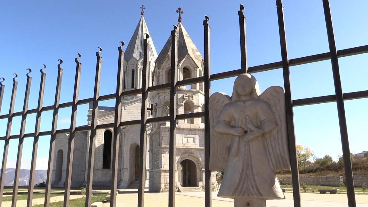 Nagorno-Karabakh: Worship continues in Shusha's heavily damaged cathedral