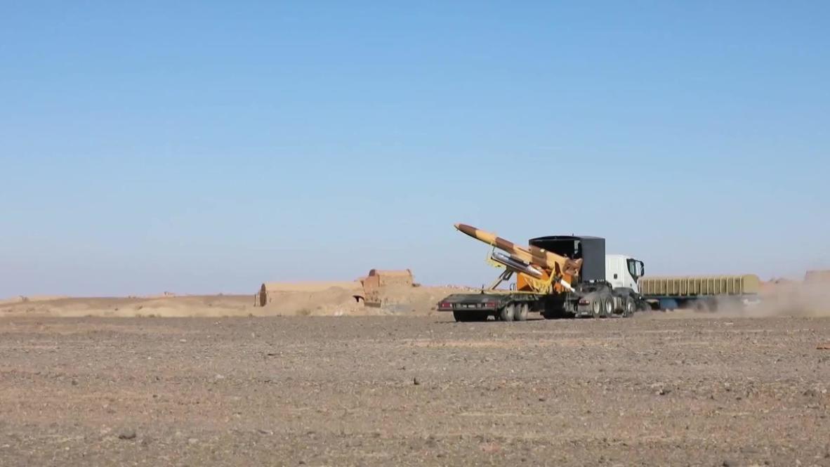 إيران: الجيش يختبر صاروخ أرض جو من طراز بافار- 373 محلي الصنع أثناء التدريبات