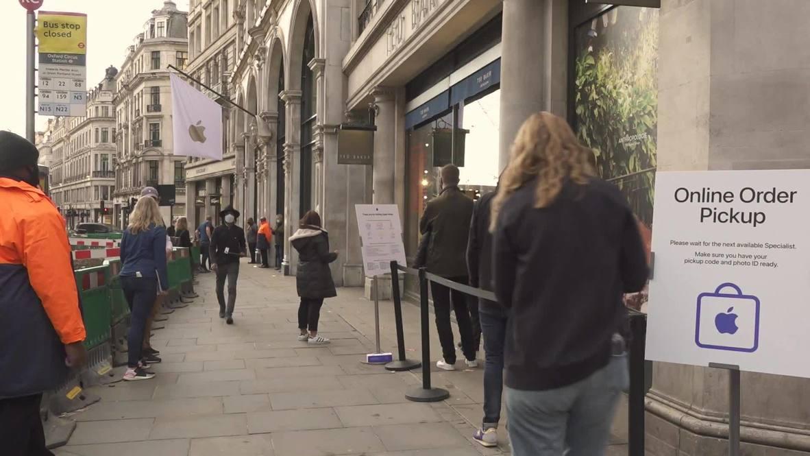 """المملكة المتحدة: سكان لندن يصطفون في طوابير لشراء """"أيفون 12"""" الجديد"""