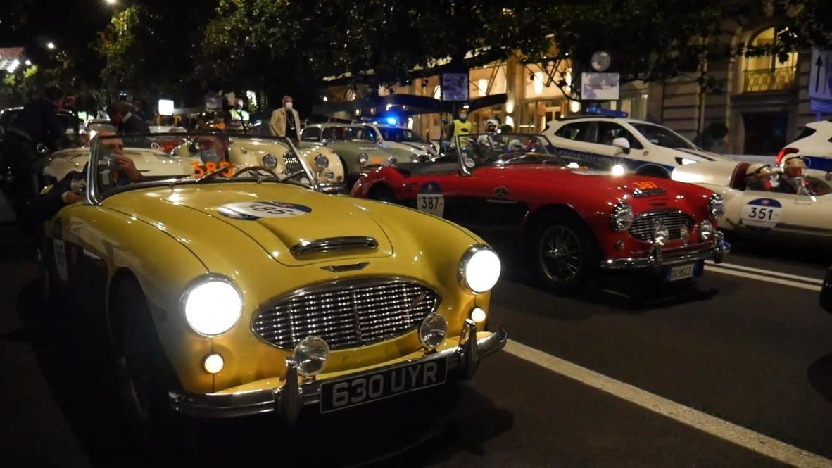 """إيطاليا: وصول النسخة الأخيرة من سباق """"الألف ميل"""" التاريخي للسيارات إلى شوارع العاصمة روما"""