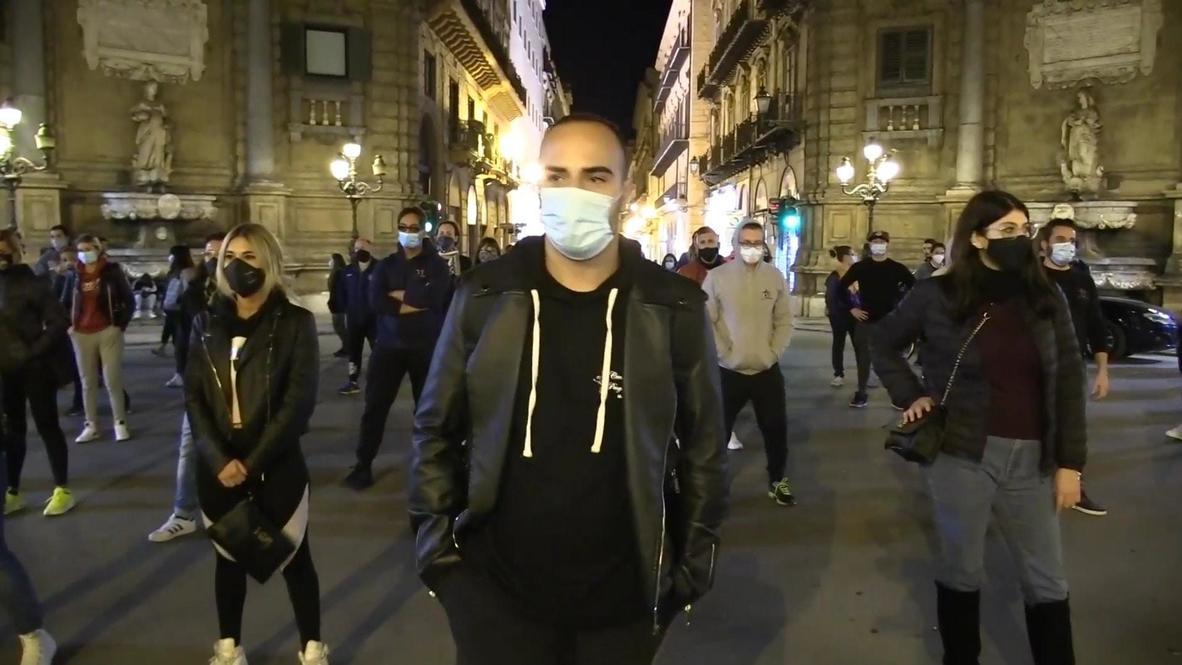 """إيطاليا: تحت شعار """"نريد أن نعمل"""".. احتجاجات رافضة لقيود مكافحة فيروس كورونا في باليرمو"""