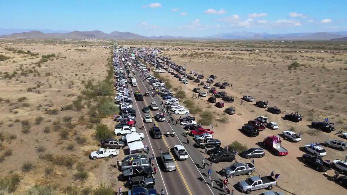 الولايات المتحدة الأمريكية: مناصرو ترامب ينظمون مسيرة ضخمة بالسيارات في أريزونا