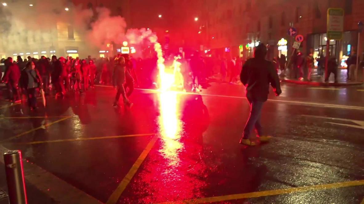 Italia: Tensión entre manifestantes y policías durante protesta en rechazo a nuevas restricciones por covid-19