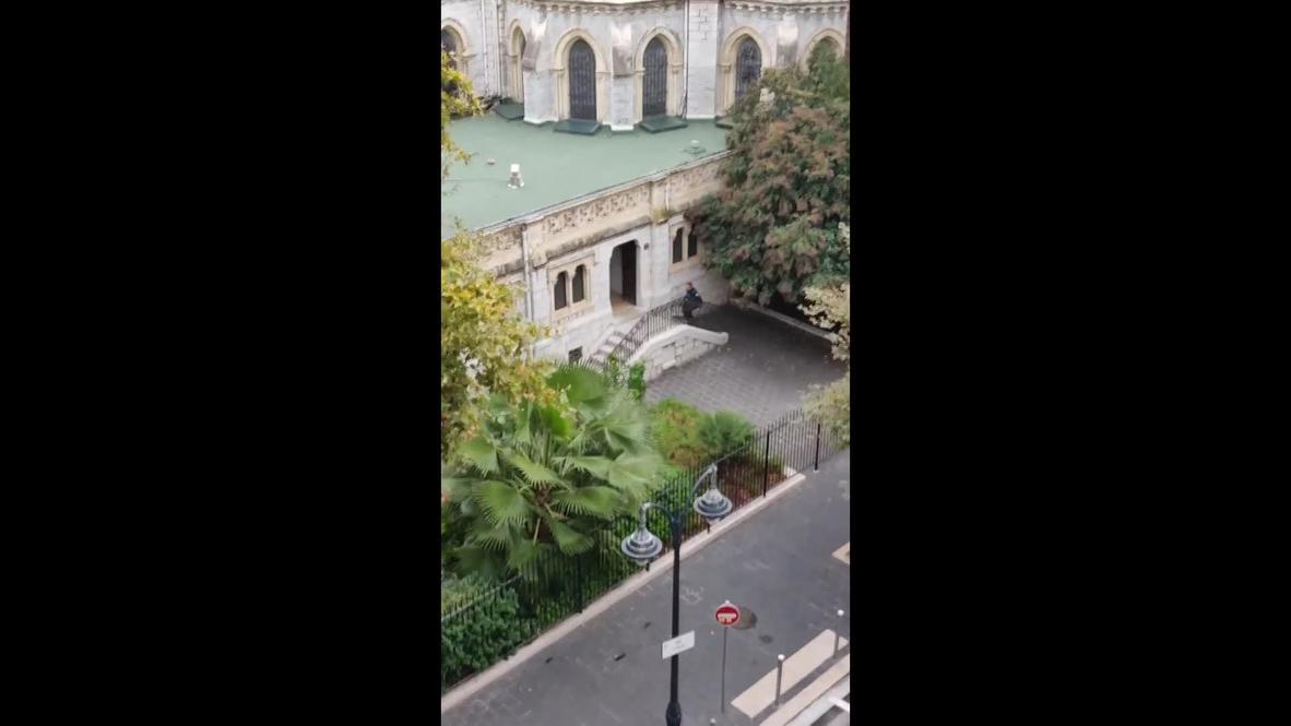 فرنسا: سماع أصوات الرصاص في فيديو التقطه أحد السكان للحظة إطلاق الشرطة النار على مهاجم كنيسة نيس