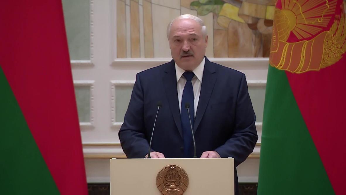"""Белоруссия: Тот, кто прикоснется к военнослужащему ,""""должен уйти без рук"""" - Лукашенко"""
