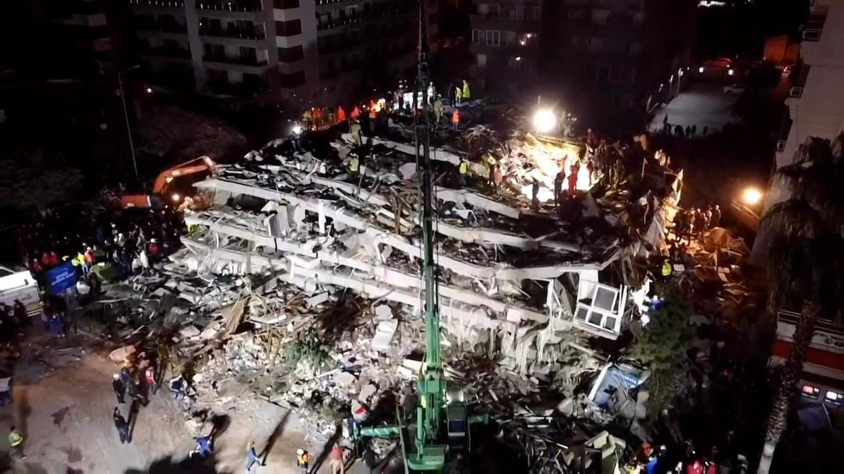 Turquía: Imágenes aéreas muestran trabajos de rescate en edificio derrumbado tras terremoto