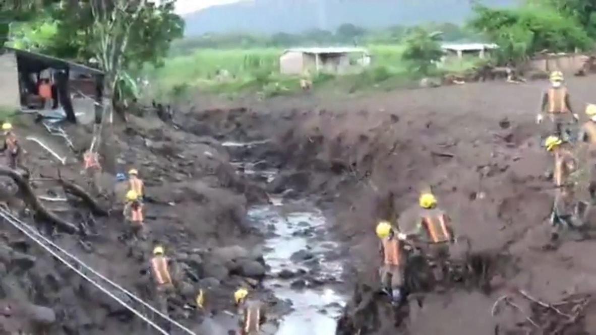 السلفادور: مقتل 7 أشخاص على الأقل وفقدان أكثر من 35 في انهيار أرضي في نيخابا