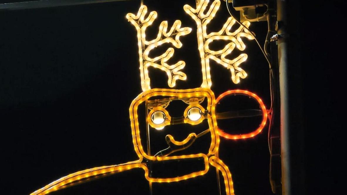 Children-designed Christmas lights cheer up Scottish town