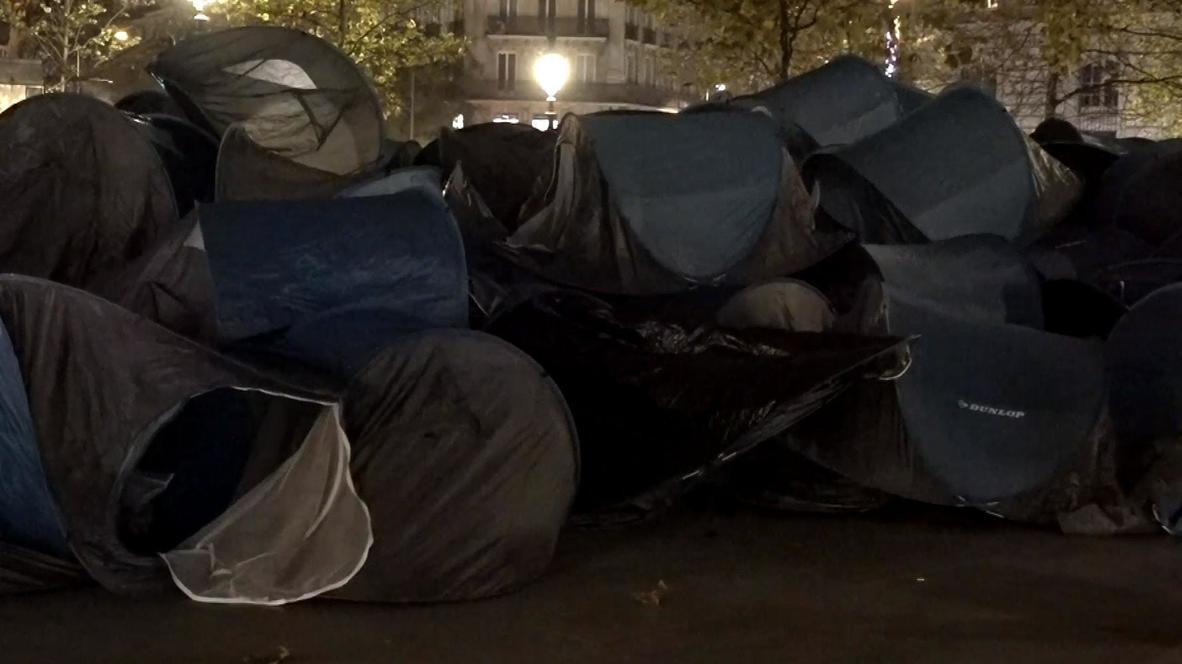 Francia: Enfrentamientos en París durante una protesta con tiendas de campaña a favor de los refugiados