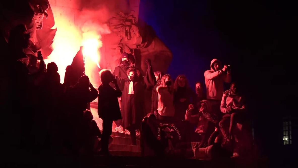 فرنسا: متظاهرون يشعلون الحرائق خلال مواجهات مع الشرطة في الليلة الثانية من الاحتجاجات