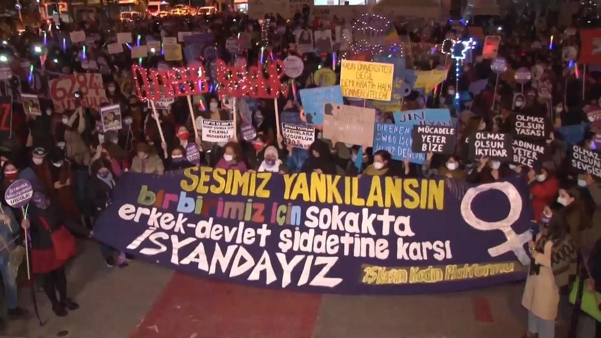 Turkey: Demonstrators mark Intl Day for Elimination of Violence against Women in Istanbul