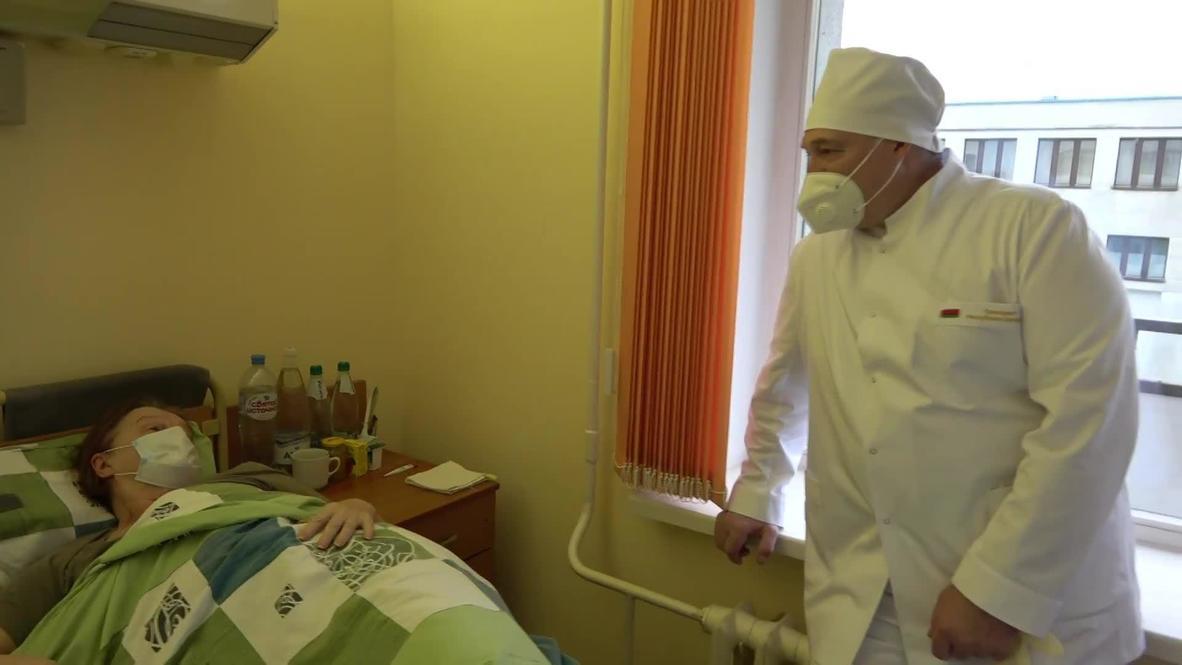 Belarus: Lukashenko visits COVID-19 red zone in Minsk hospital