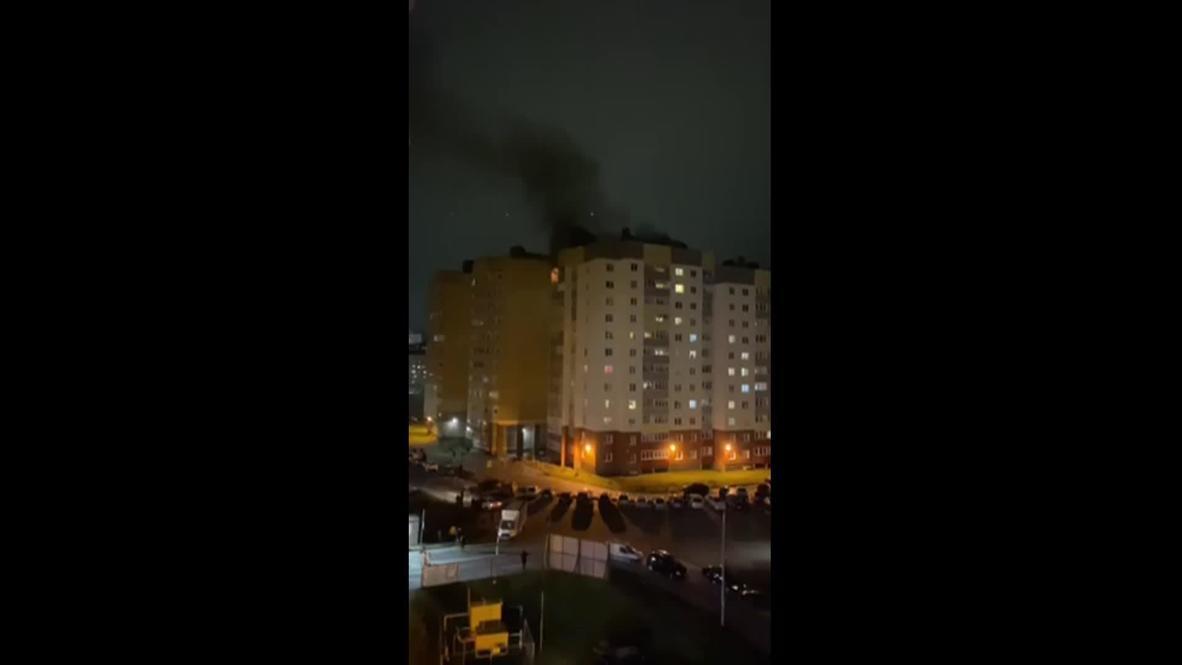 Россия: Во Всеволожске после хлопка газа в квартире многоэтажного дома случился пожар