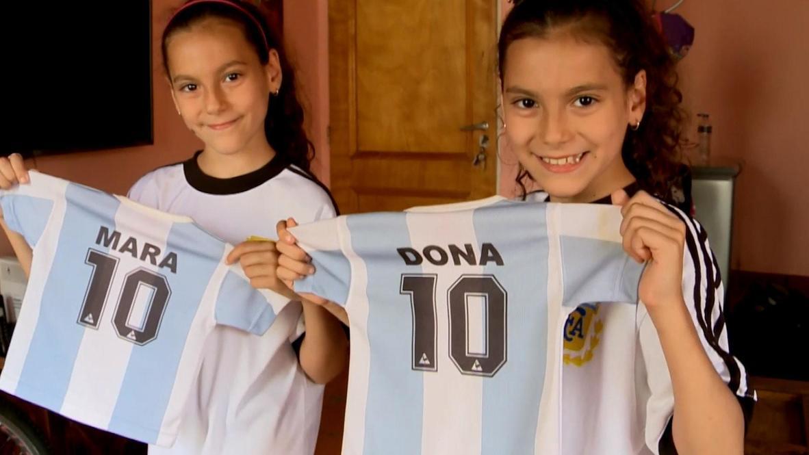 Сестры-близнецы из Аргентины носят имена Мара и Дона в честь легендарного игрока