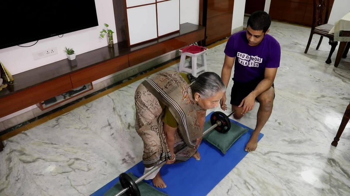 Все могут тренироваться. Внук фитнес-тренер помог своей 82-летней бабушке восстановиться после травмы
