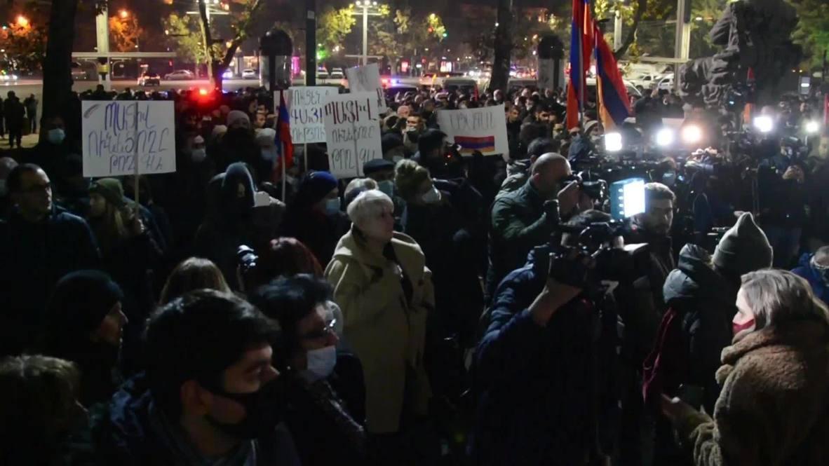 Armenia: Demonstrators demanding Pashinyan's resignation march through streets of Yerevan