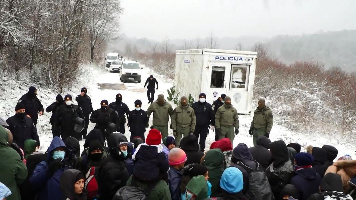 البوسنة والهرسك: منع مهاجرين من عبور الحدود الكرواتية في ظروف جوية قاسية