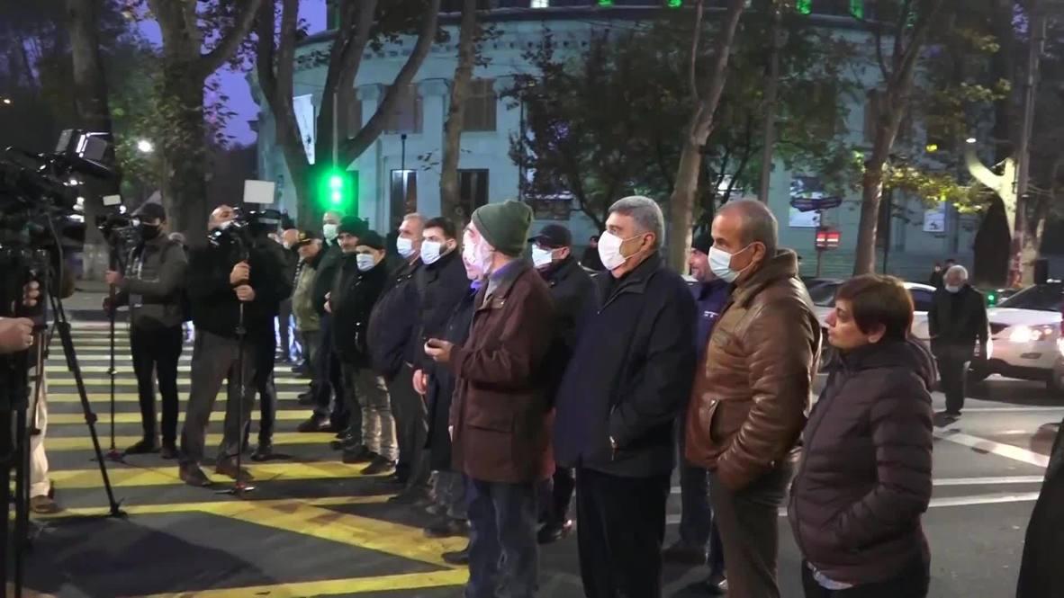 Армения: Протестующие перекрыли движение в центре Еревана
