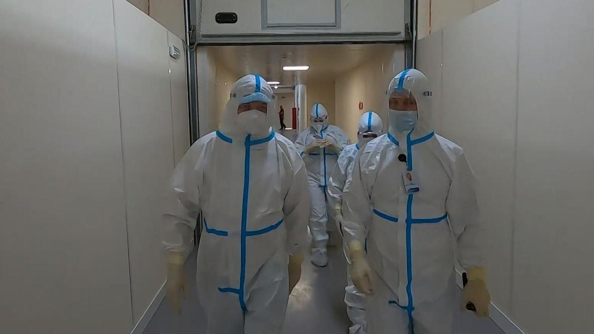 Rusia: Estudiantes de medicina ayudan s tratar a pacientes con covid-19 en el hospital de San Petersburgo