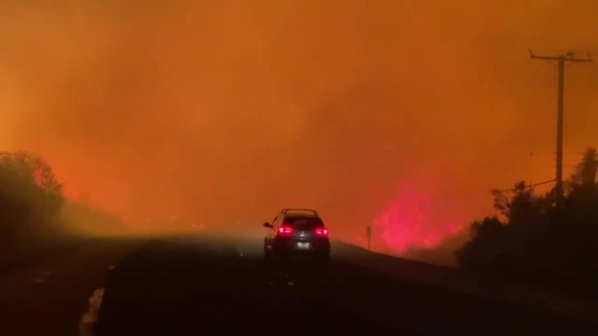 EE.UU.: El incendio Bond provoca la evacuación de miles de personas en el condado de Orange