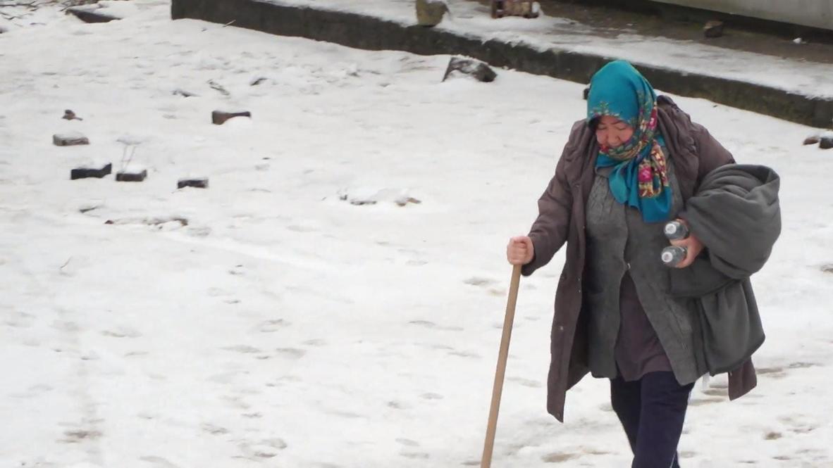 Bosnia and Herzegovina: Migrants relocated from temporary homes in Bosanska Bojna near Croatian border