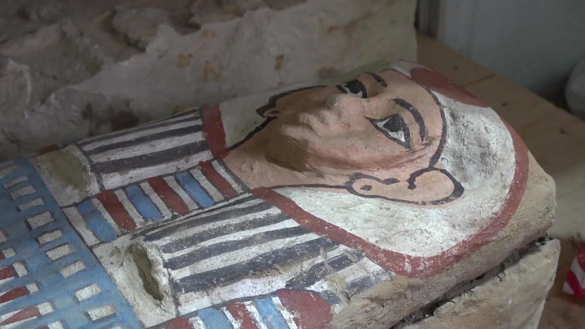 مصر: العثور على أكثر من 50 تابوتًا في موقع أثري في سقارة