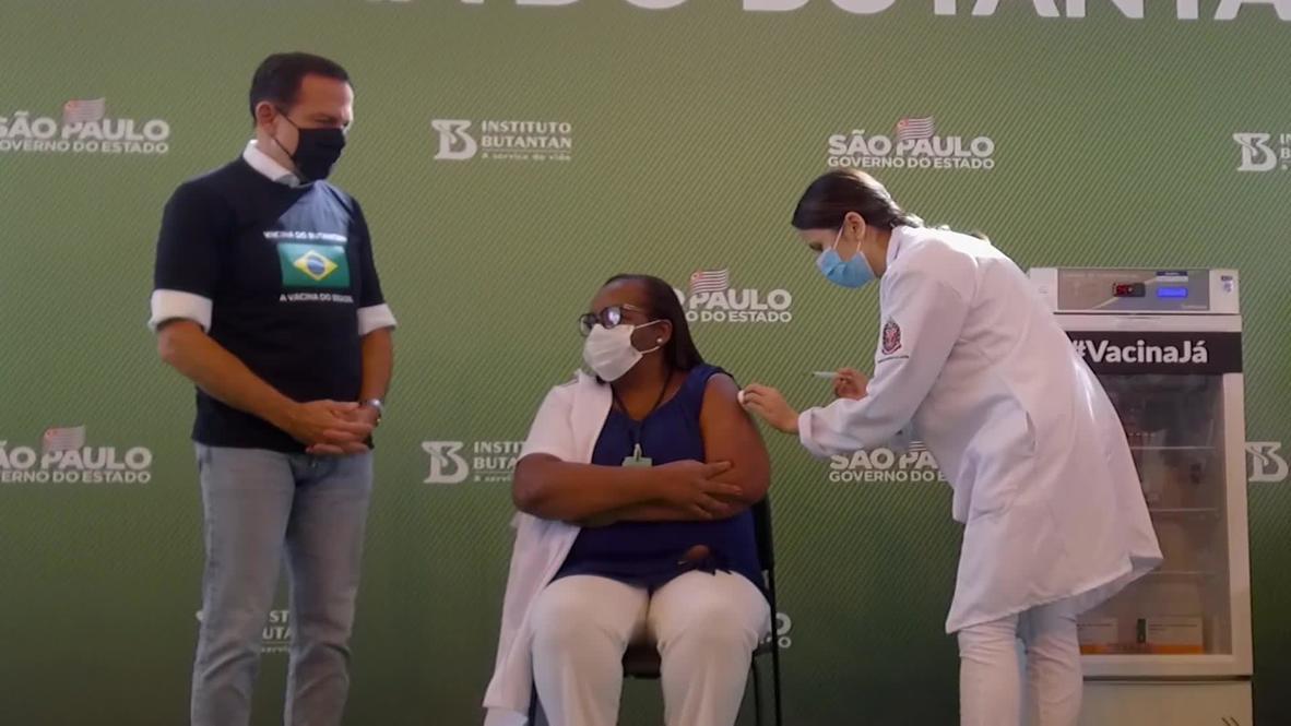 Brasil: Ponen la primera vacuna para el covid-19 a una enfermera tras aprobarse su uso de emergencia