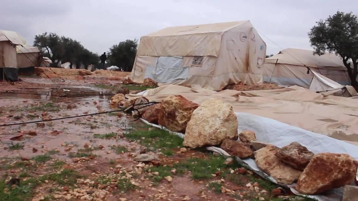 Siria: Fuertes lluvias destruyen los campos de refugiados en Idlib