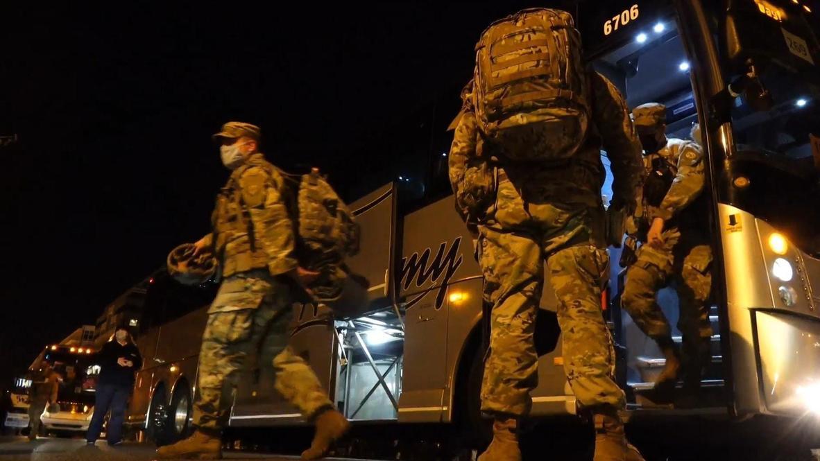 EE.UU.:  Llegada de autobuses de la Guardia Nacional a Washington DC ante la ceremonia de investidura de Biden