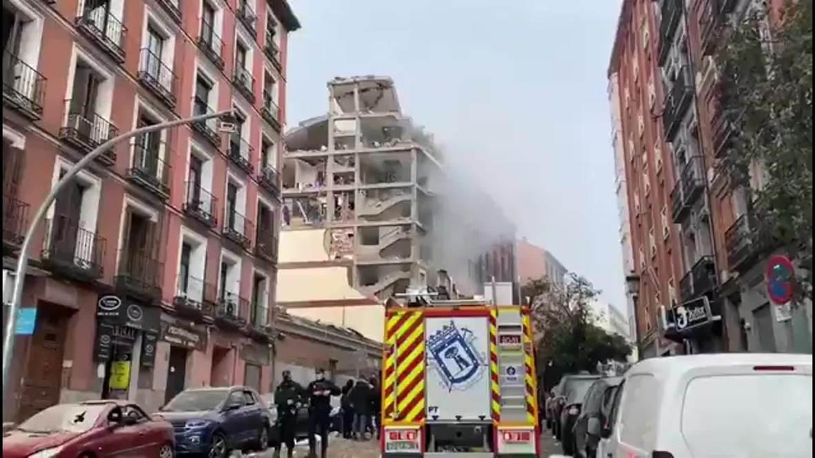 España: Fuerte explosión destroza un edificio en el centro de Madrid