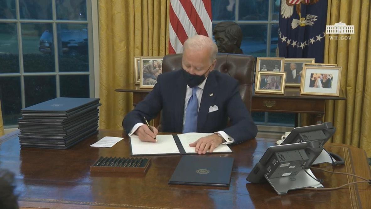 الولايات المتحدة الأمريكية: بايدن يوقع أول أوامره التنفيذية بعد توليه منصبه الجديد
