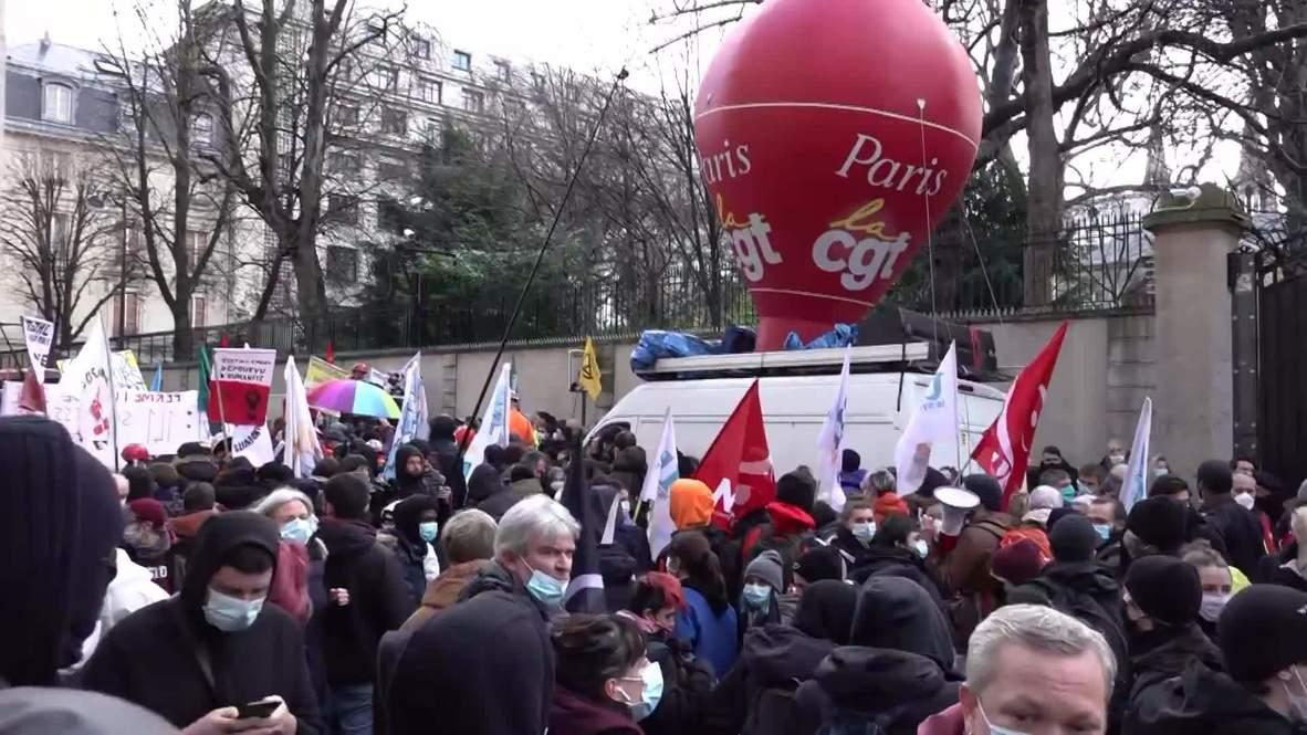 فرنسا: متظاهرون يملؤون شوارع باريس احتجاجا على فقدان الوظائف