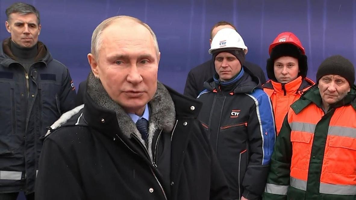 """Россия: """"Удобнее, лучше и короче по времени"""". Путин побывал на открытии транспортной развязки в Химках"""
