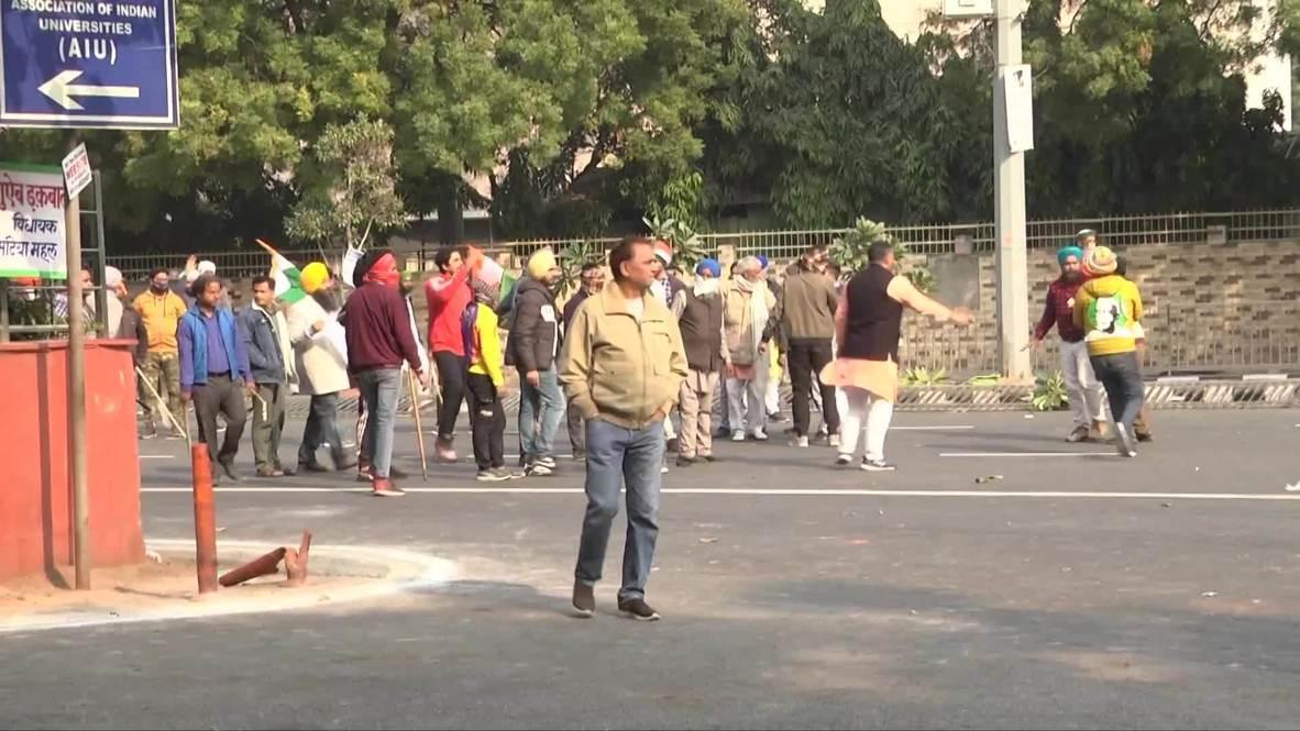 الهند: مزارعون ينظمون مسيرة جرارات احتجاجية نحو القلعة الحمراء في دلهي