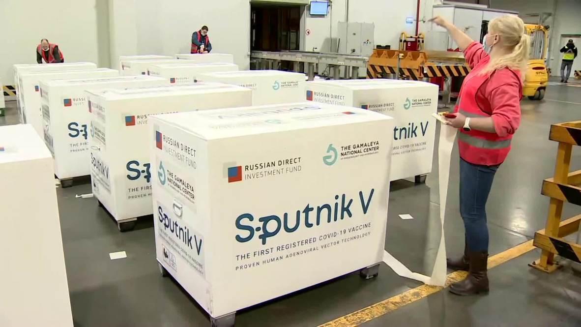 Rusia: Nuevo envío de vacunas Sputnik V para Argentina se prepara en el aeropuerto de Moscú