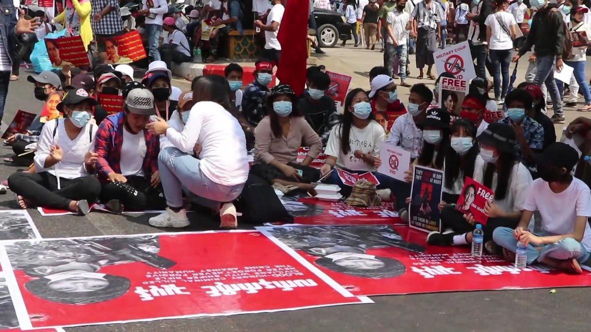 Myanmar: Demonstrators rally in Yangon to decry killing of 16 y/o protester
