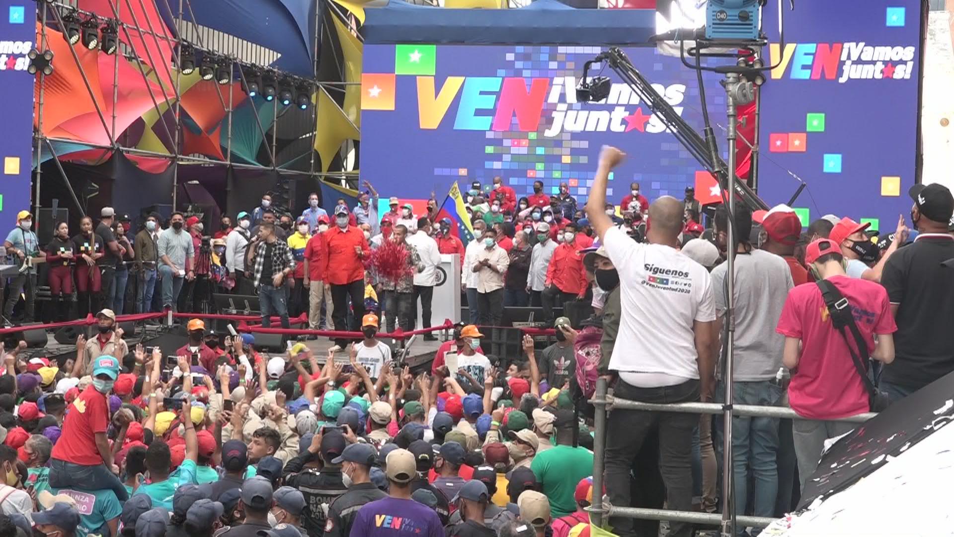 Venezuela: Maduro cierra campaña electoral y dice que dejará el poder si el PSUV pierde los comicios