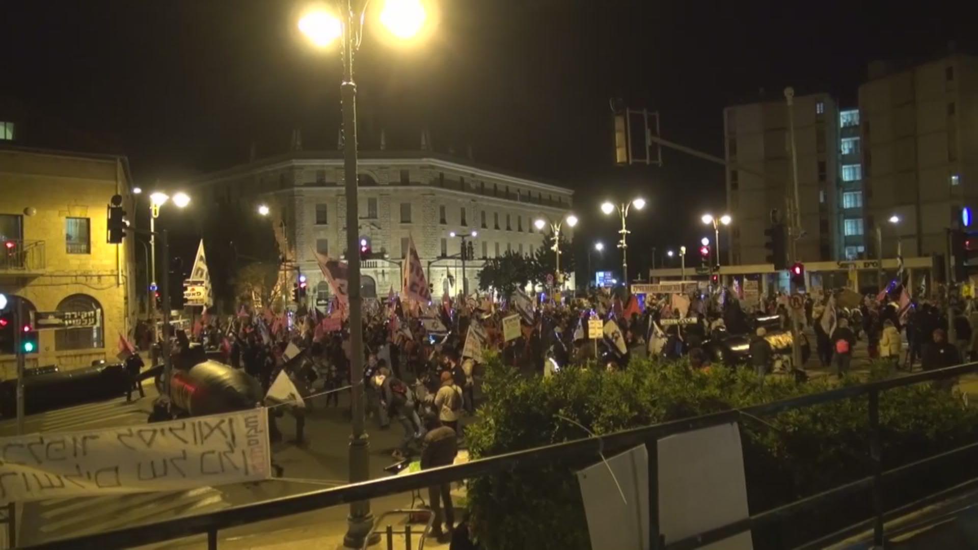 إسرائيل: أكثر من 1000 شخص يتظاهرون ضد لنتنياهو في القدس